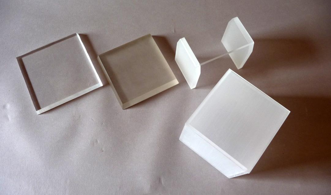 Bases Plexiglas et cube transparent ou dépoli