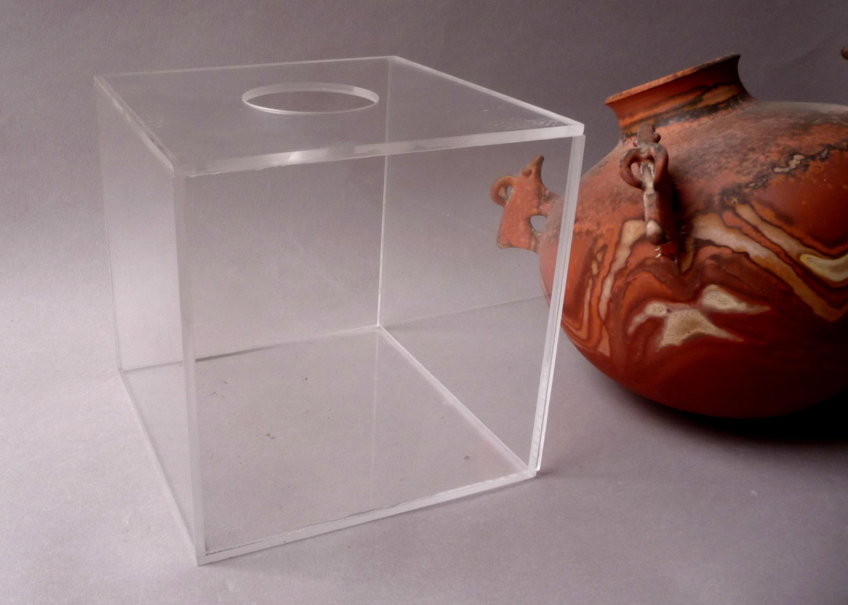 cube plexiglas percé pour céramique Jean Grison